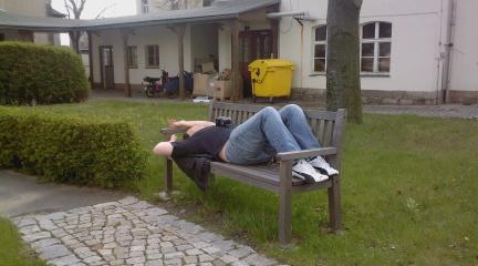 http://www.missingno.de/bilder/blog/dresden/do_pennermodus.jpg