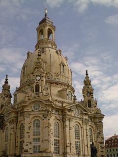 http://www.missingno.de/bilder/blog/dresden/mi_frauenkirche.jpg