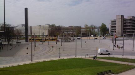 http://www.missingno.de/bilder/blog/dresden/mi_postplatz.jpg